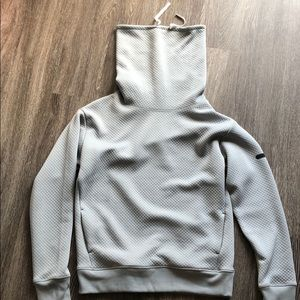 NWOT Under Armour slouched hoodie